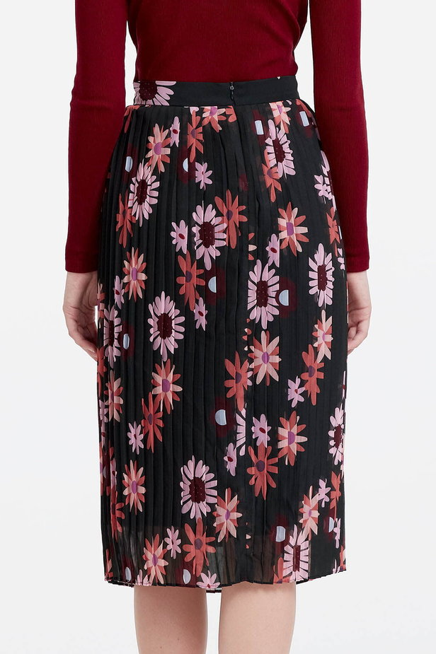 Below the knee pleated skirt with a floral print photo 5 - MustHave online store