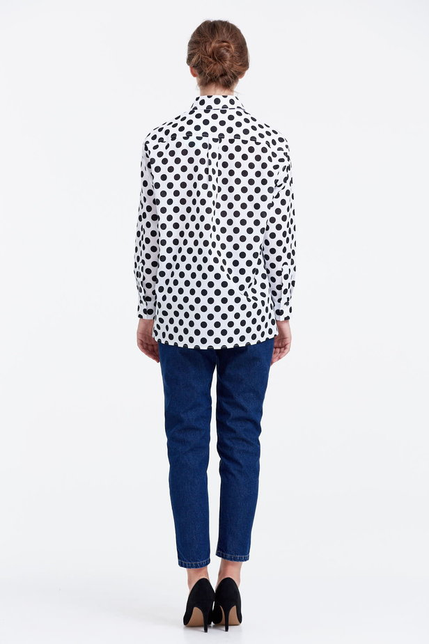 White shirt with a black polka dot print photo 3 - MustHave online store
