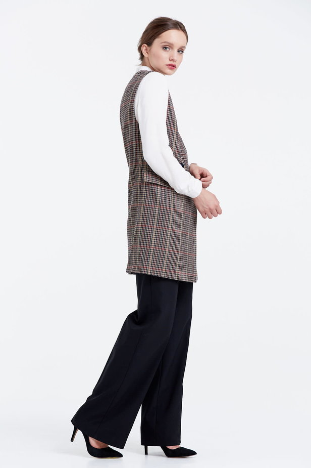 Long vest with a brown houndstooth print photo 4 - MustHave online store