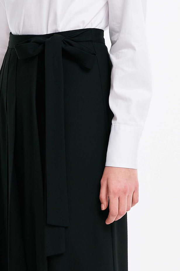 Wrap black skirt with a belt photo 6 - MustHave online store