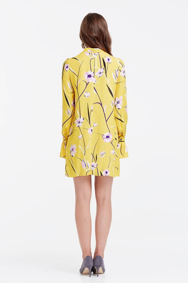 Yellow dress with a floral print, pleats and a bow photo 3 - MustHave online store
