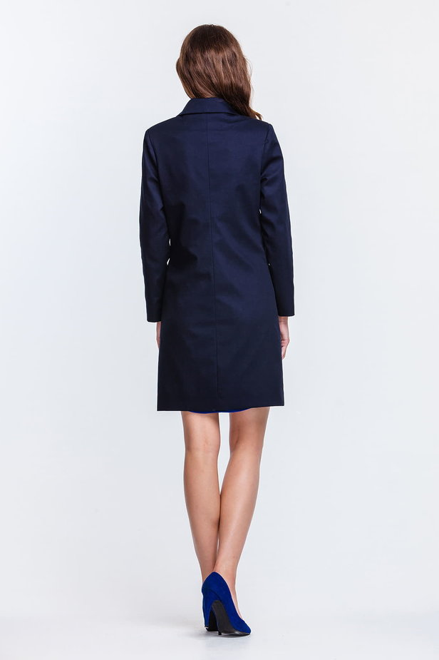 Blue trenchcoat with a round collar and patch pockets photo 4 - MustHave online store