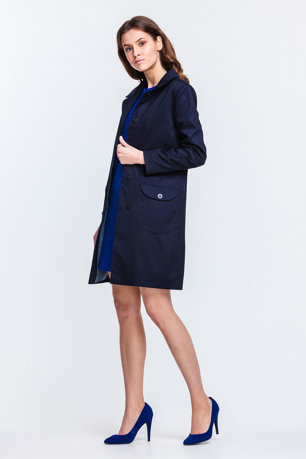 Blue trenchcoat with a round collar and patch pockets photo 2 - MustHave online store