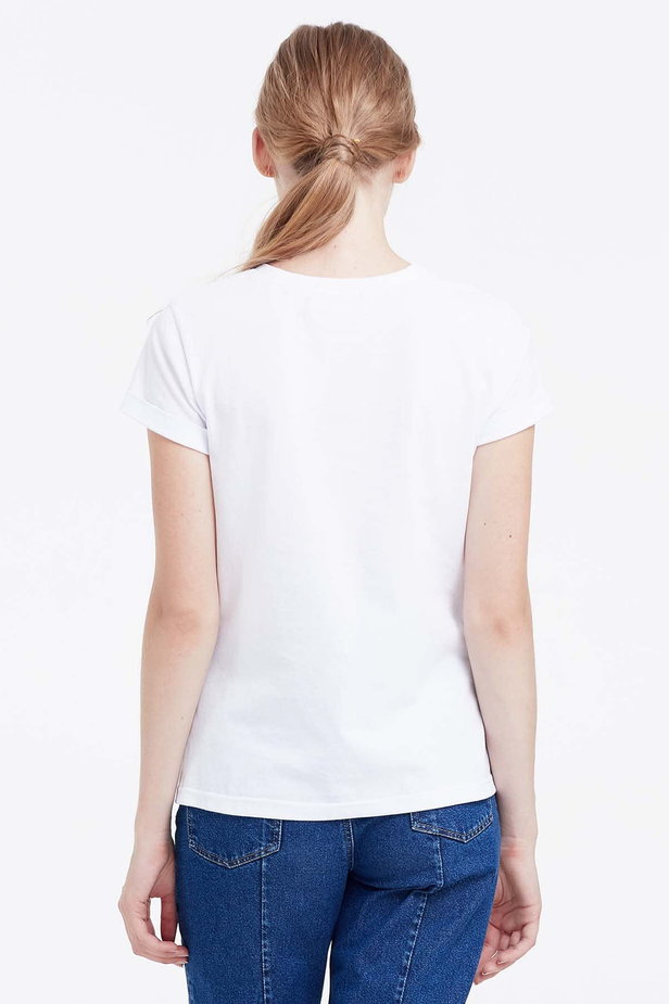 White T-shirt photo 4 - MustHave online store
