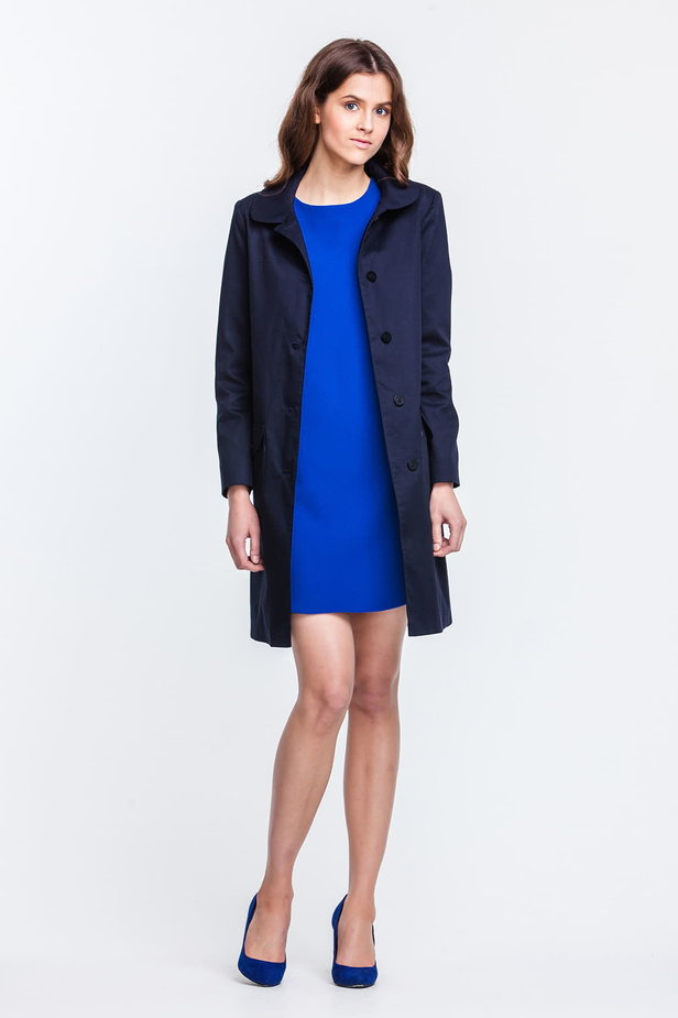 Blue trenchcoat with a round collar and patch pockets photo 3 - MustHave online store
