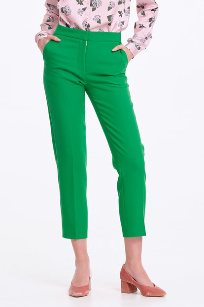 Short green trousers