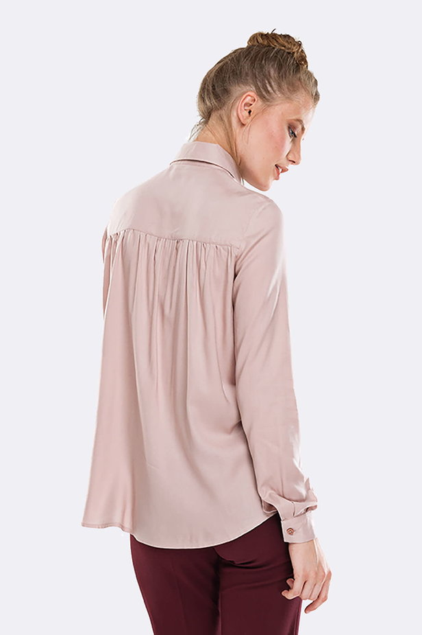 Beige shirt with pleats on the chest photo 2 - MustHave online store