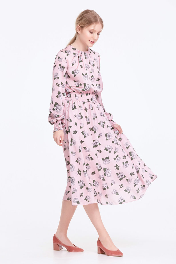 Pink dress with pleats and a floral print photo 7 - MustHave online store