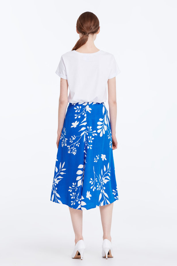 Midi blue skirt with white leaves photo 7 - MustHave online store