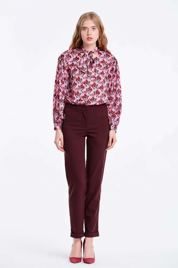 Pink blouse with a floral print and a bow photo 3 - MustHave online store