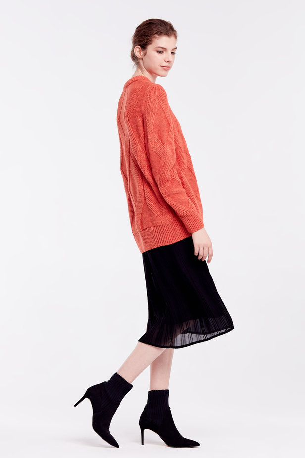 Orange free knit sweater photo 6 - MustHave online store