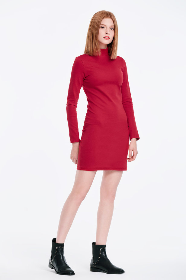 Column red dress with a stand up collar photo 5 - MustHave online store