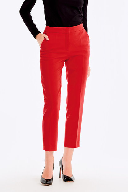 Cropped red trousers
