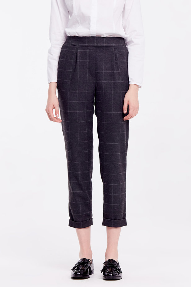 Loose grey checkered pants with cuffs photo 1 - MustHave online store