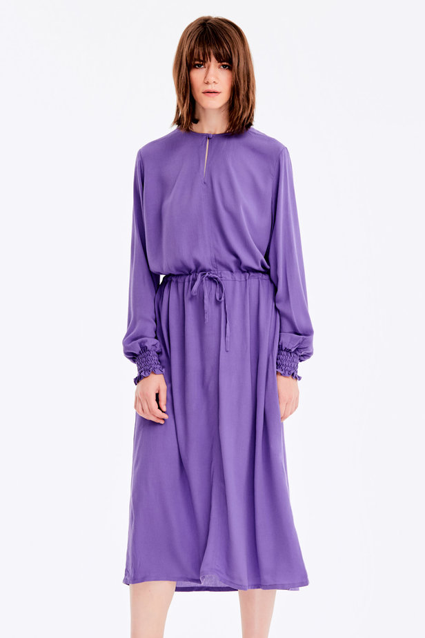 Violet dress with a keyhole photo 1 - MustHave online store