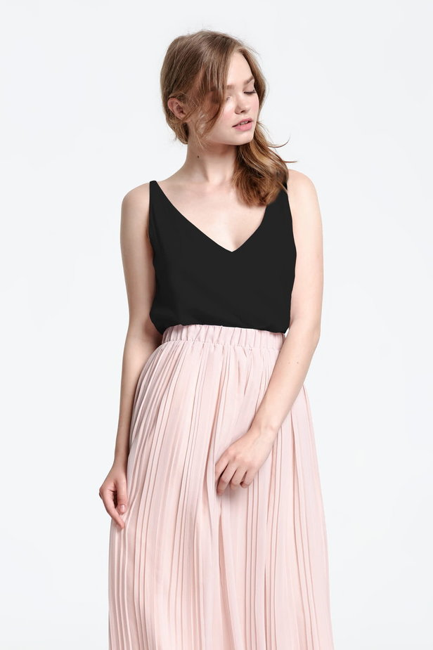 Black top with a low neckline photo 5 - MustHave online store