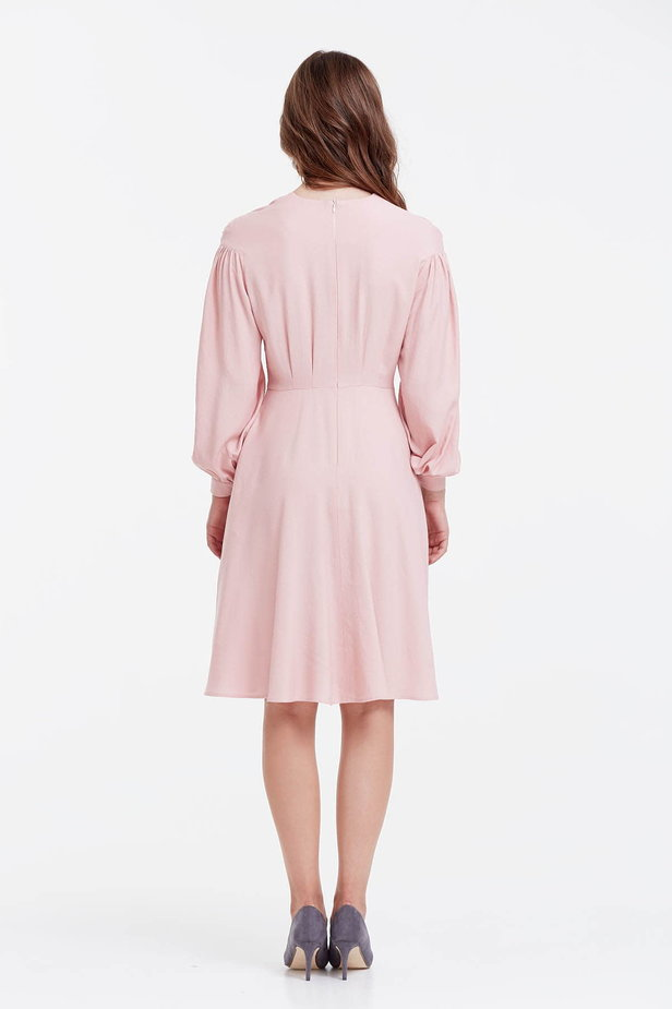 Powder pink dress with a concealed placket and balloon sleeves photo 3 - MustHave online store