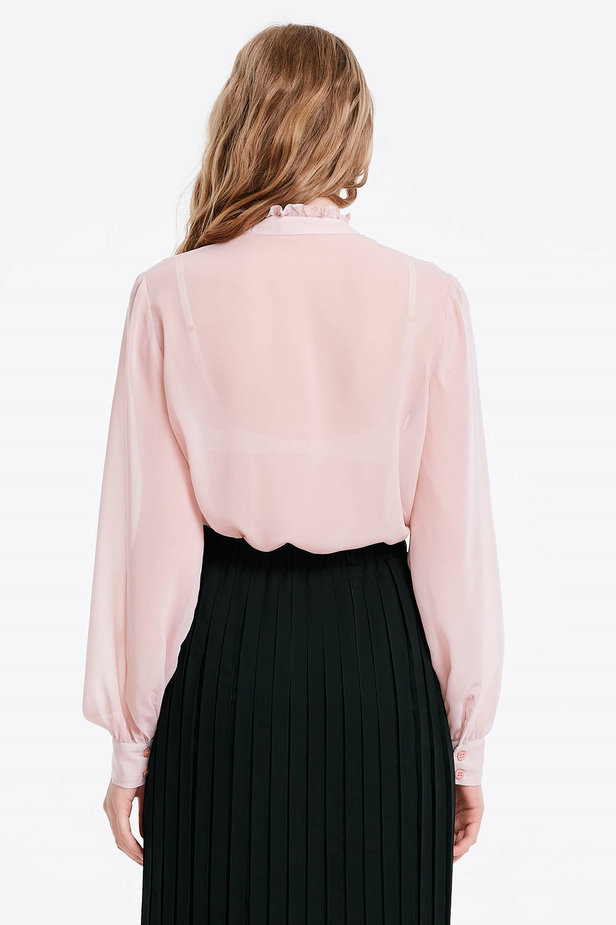 Powder pink blouse with a bow photo 2 - MustHave online store