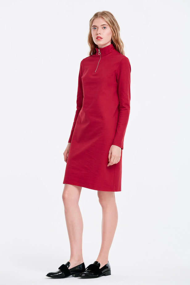 Red dress with a zip photo 3 - MustHave online store