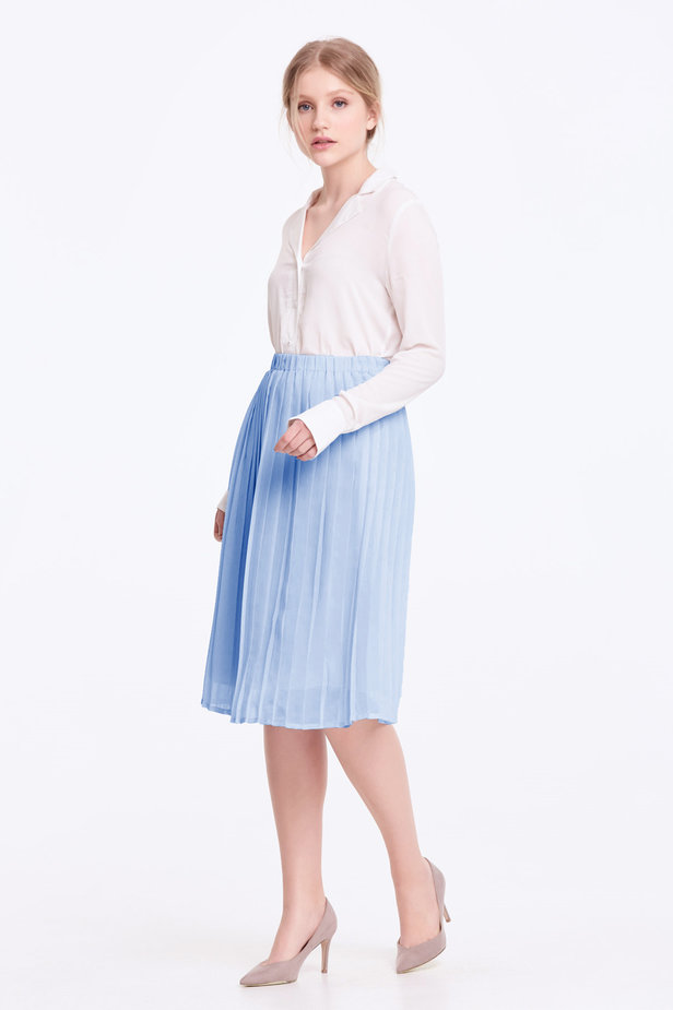 Below the knee pleated sky-blue skirt photo 2 - MustHave online store