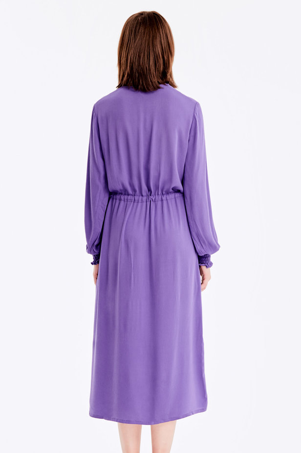 Violet dress with a keyhole photo 6 - MustHave online store