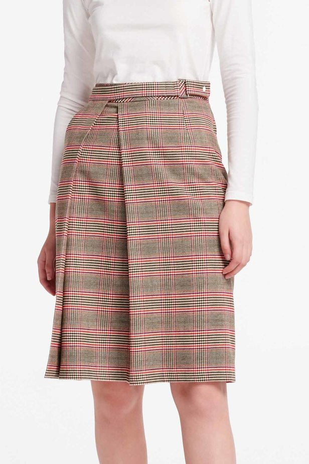 Checkered skirt with a pleat photo 1 - MustHave online store