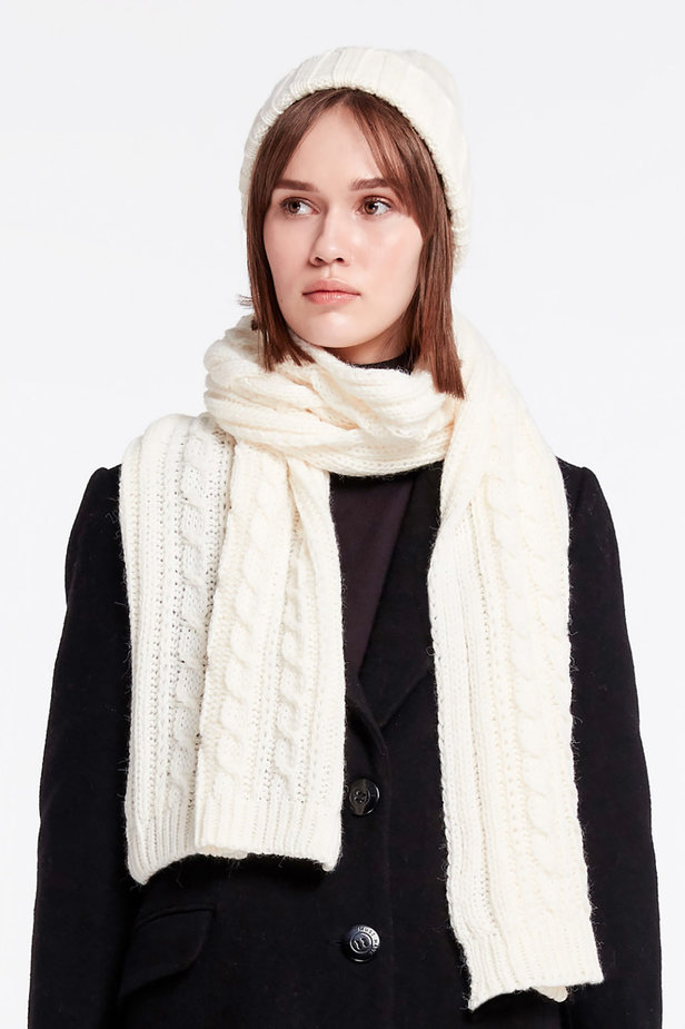 White knit scarf photo 1 - MustHave online store